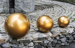 Dekorativer Ball für den Garten. Farbauswahl 30 cm small 10
