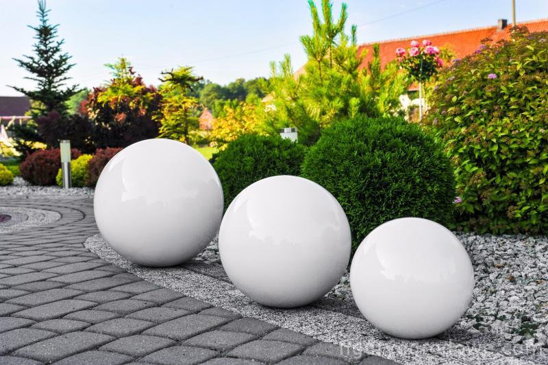 Dekorativer Gartenball Farbwahl 38 cm