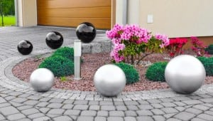Dekorativer Gartenball Farbwahl 50 cm small 4