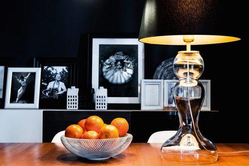 Hohe Tischlampe Flores Transparent E27 60W schwarz / silber matt