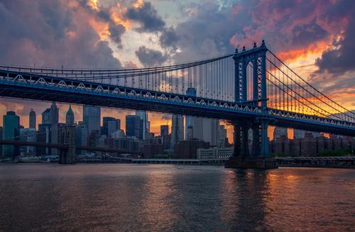 Fototapete New York, Sonnenuntergang, Wolkenkratzer, Brooklyn Bridge, Stadt, Sonne, bunt
