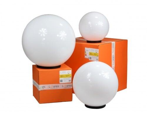 Set mit drei modernen Gartenlampen Luna Ball: 20 cm, 30 cm, 40 cm, weiße Kugeln, Glanz, inklusive LED-Lampen