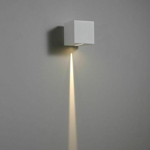 Eine wertvolle hermetische Lampe QUATRO 300/1
