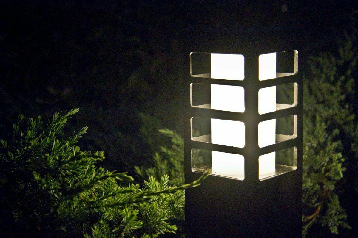 Die Gartenlampe RADO III 1 DG