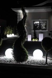 Gartenlampe Luna Ball 30 cm, Dekokugel, leuchtende Gartenkugel, weiß, glänzend small 7