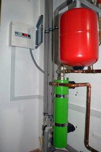 2,5 kW Induktionskessel zur Beheizung der Fläche von 50 m² small 2