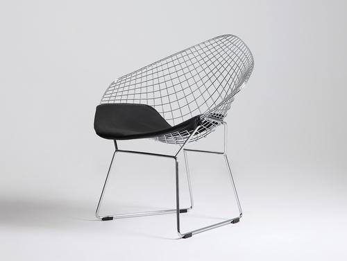 DIAMENT Stuhl - Silber, schwarzes Kissen
