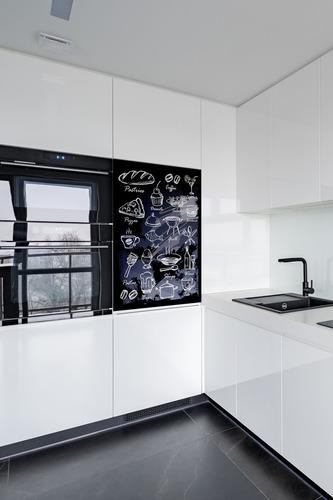 Küchenwandbild schwarze Kreidetafel, Geschirr, Getränke, Desserts, Dekoration